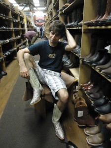 A Cruising Couple, Dan in Boots, Nashville