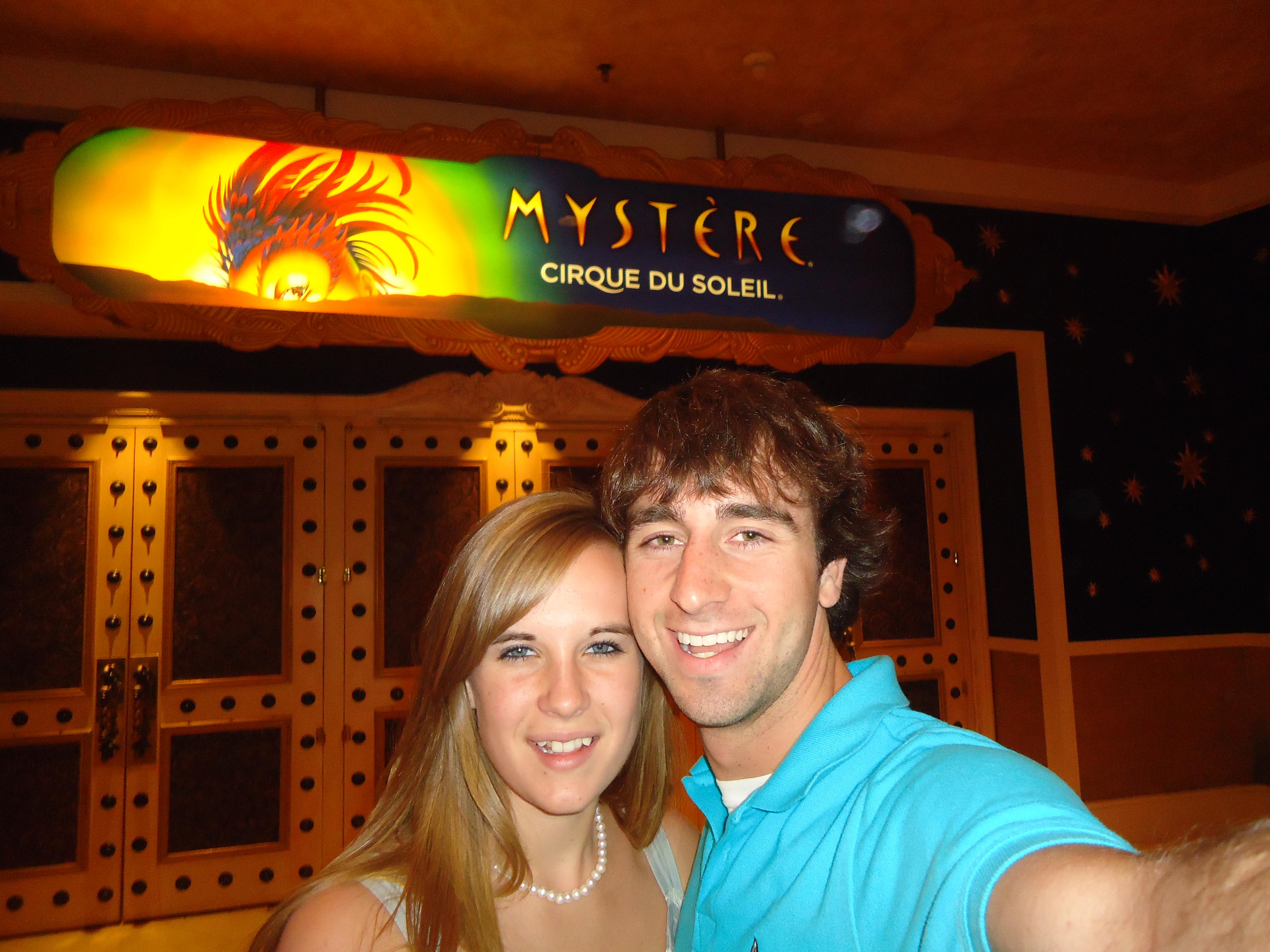 A Cruising Couple, Cirque Du Soleil, Vegas